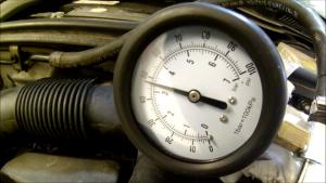 benzinnyomás-mérő