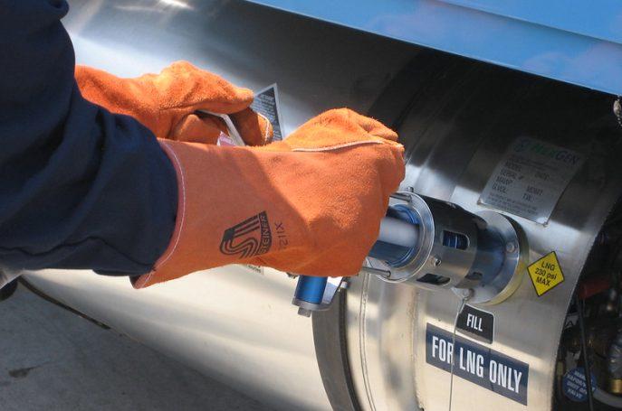 LNG tankolás