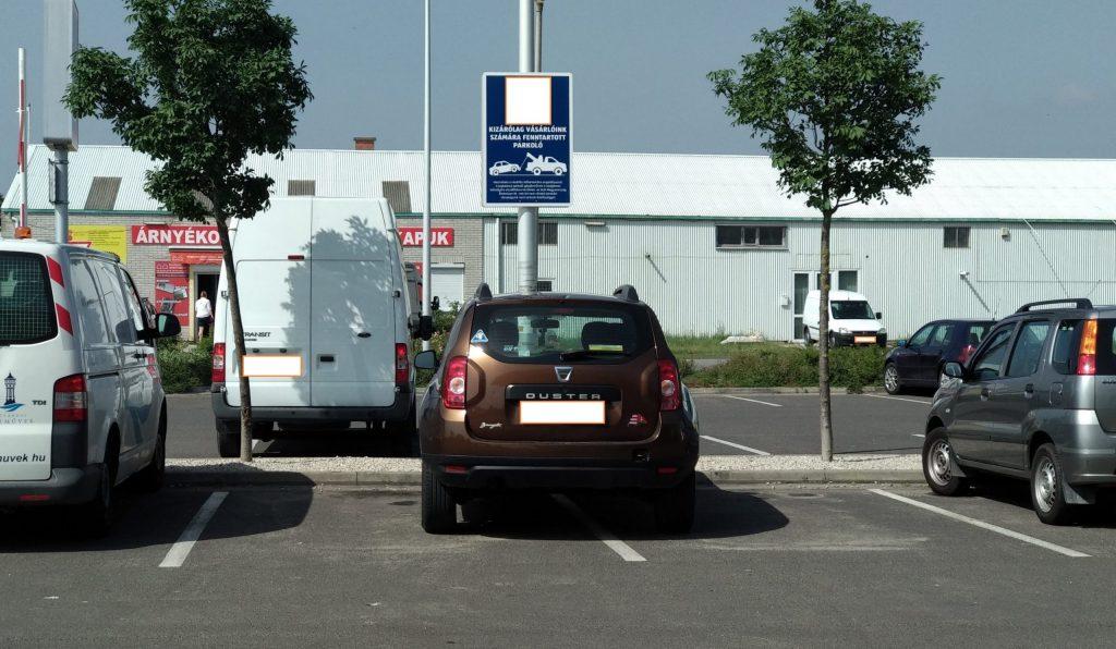 dürgő parkolás