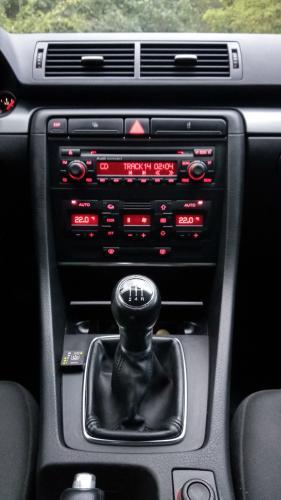 A rádió nagyon jól szól, de még mp3 CD-t se játszik le.